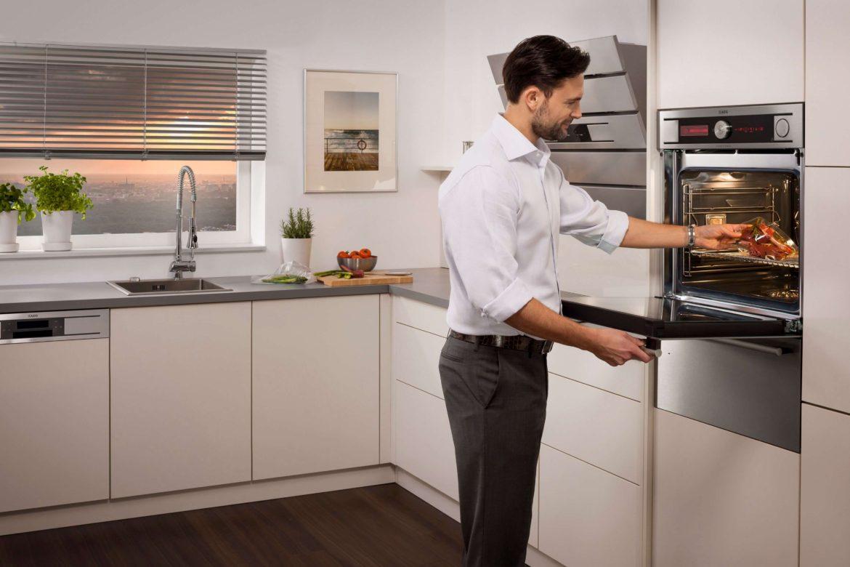 встраиваемый духовой шкаф на кухне