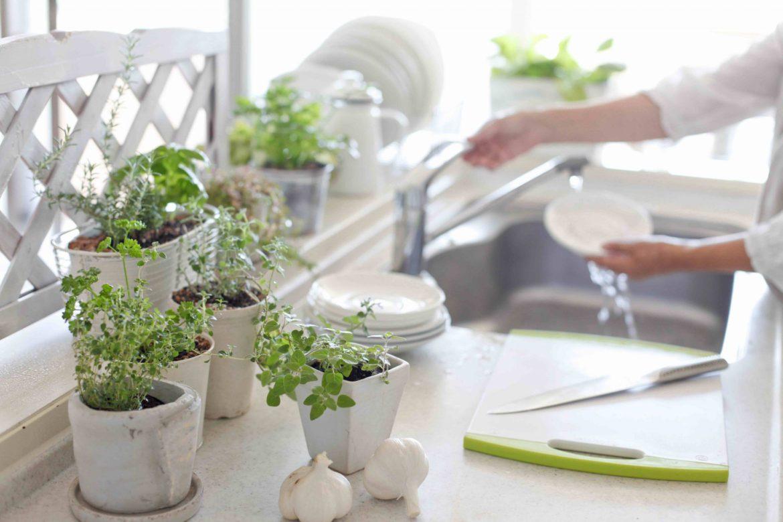 : как сделать большую кухню уютной своими руками
